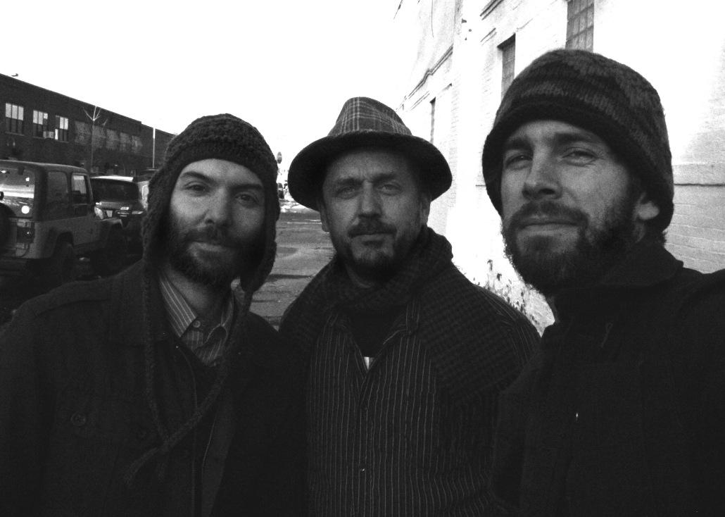 Trio Feral 1bw