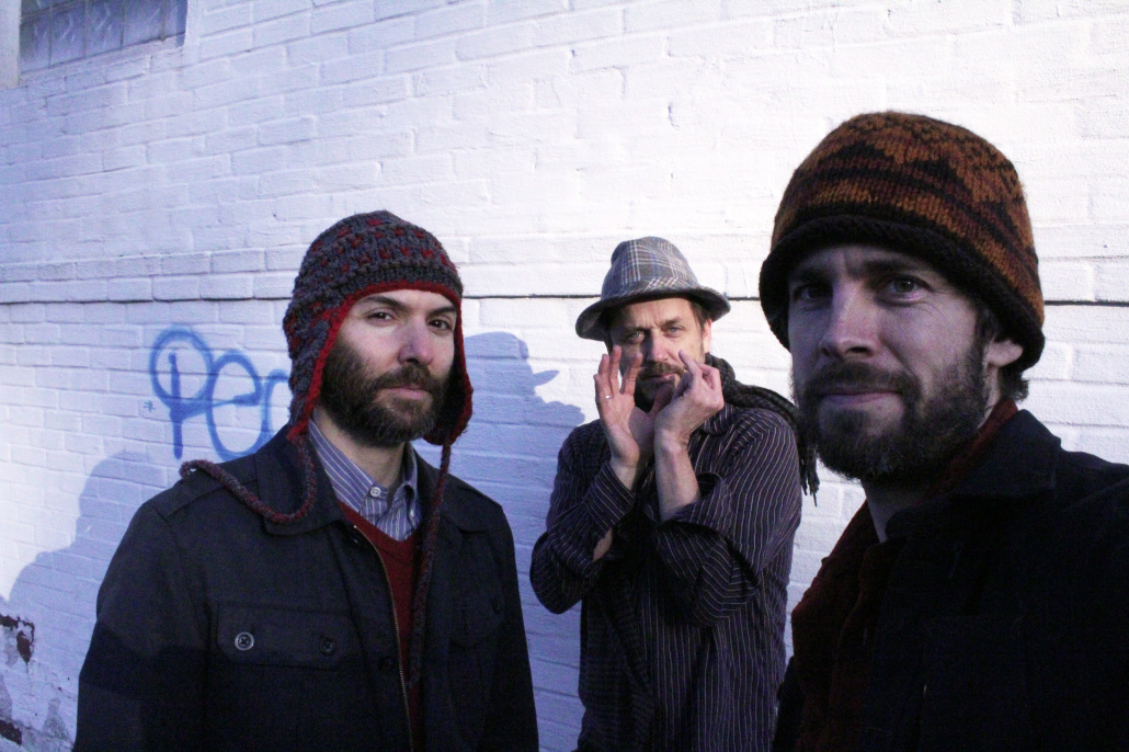 Trio Feral 2